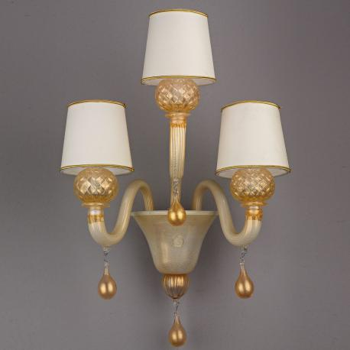 """Pegaso"" lustre en cristal de Murano - blanc et or -"