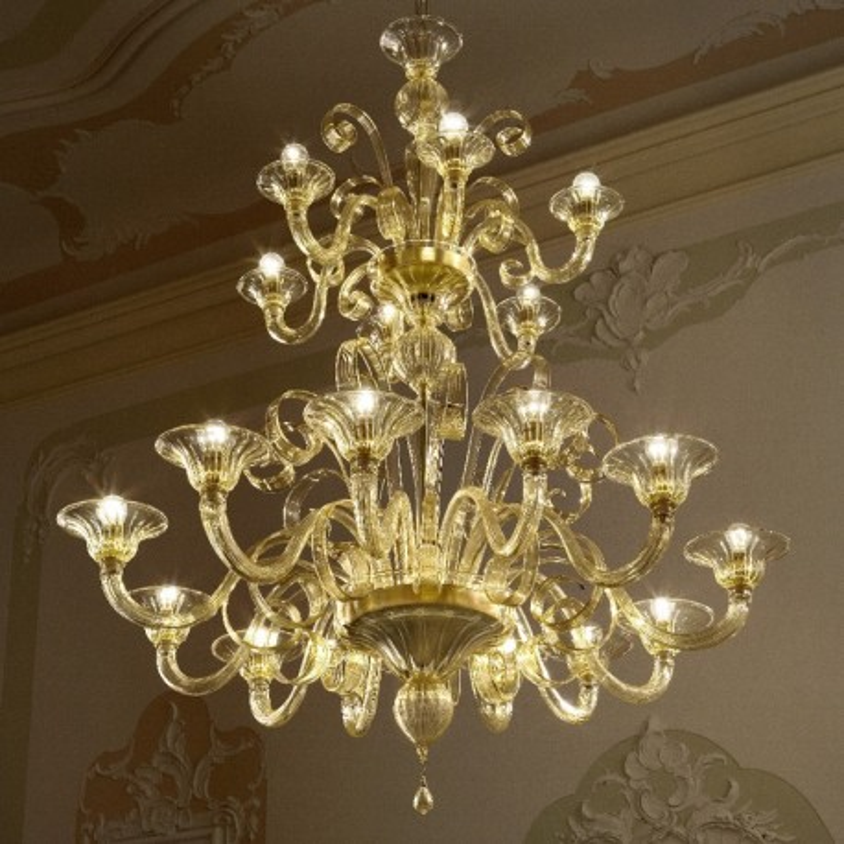 Goldoni 12+6 Luces lámpara de Murano - color ámbar