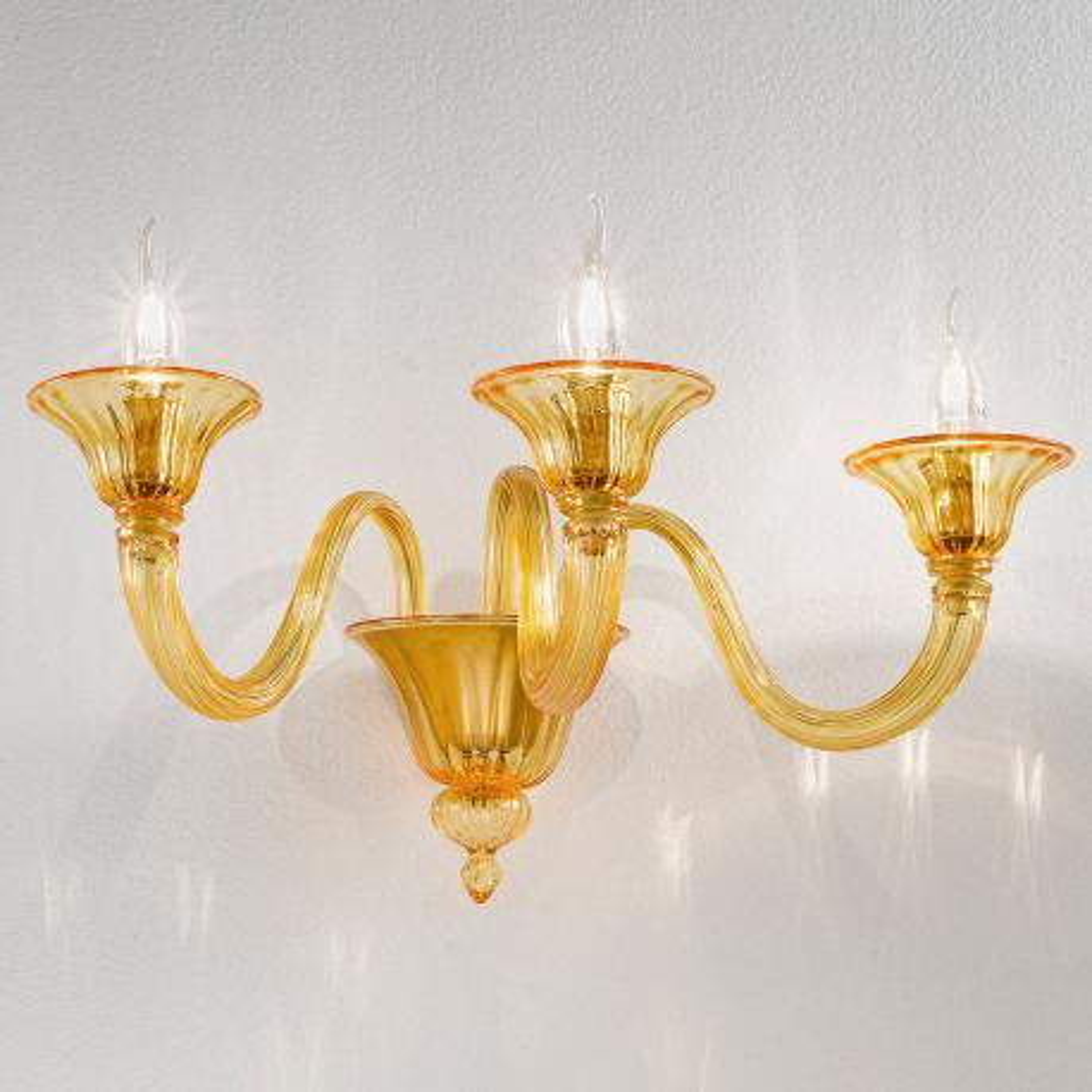 """Paola"" Murano glass sconce - 3 lights - amber"